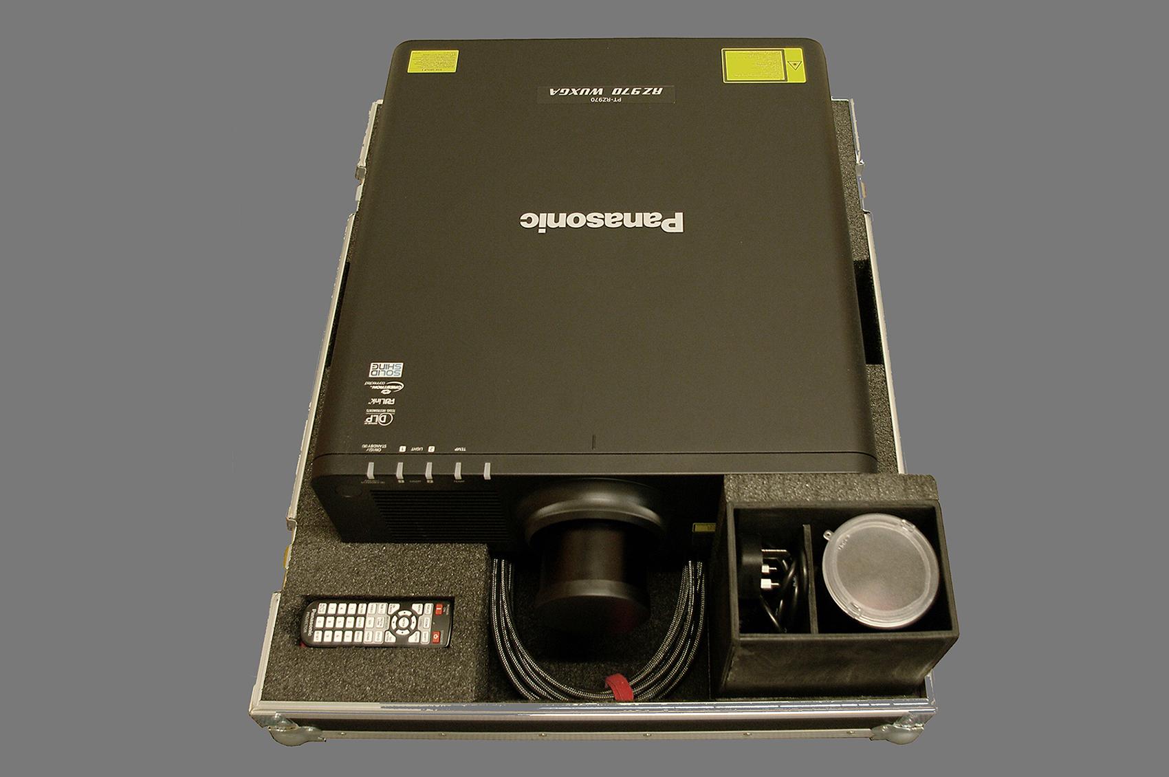 Panasonic projector case_05