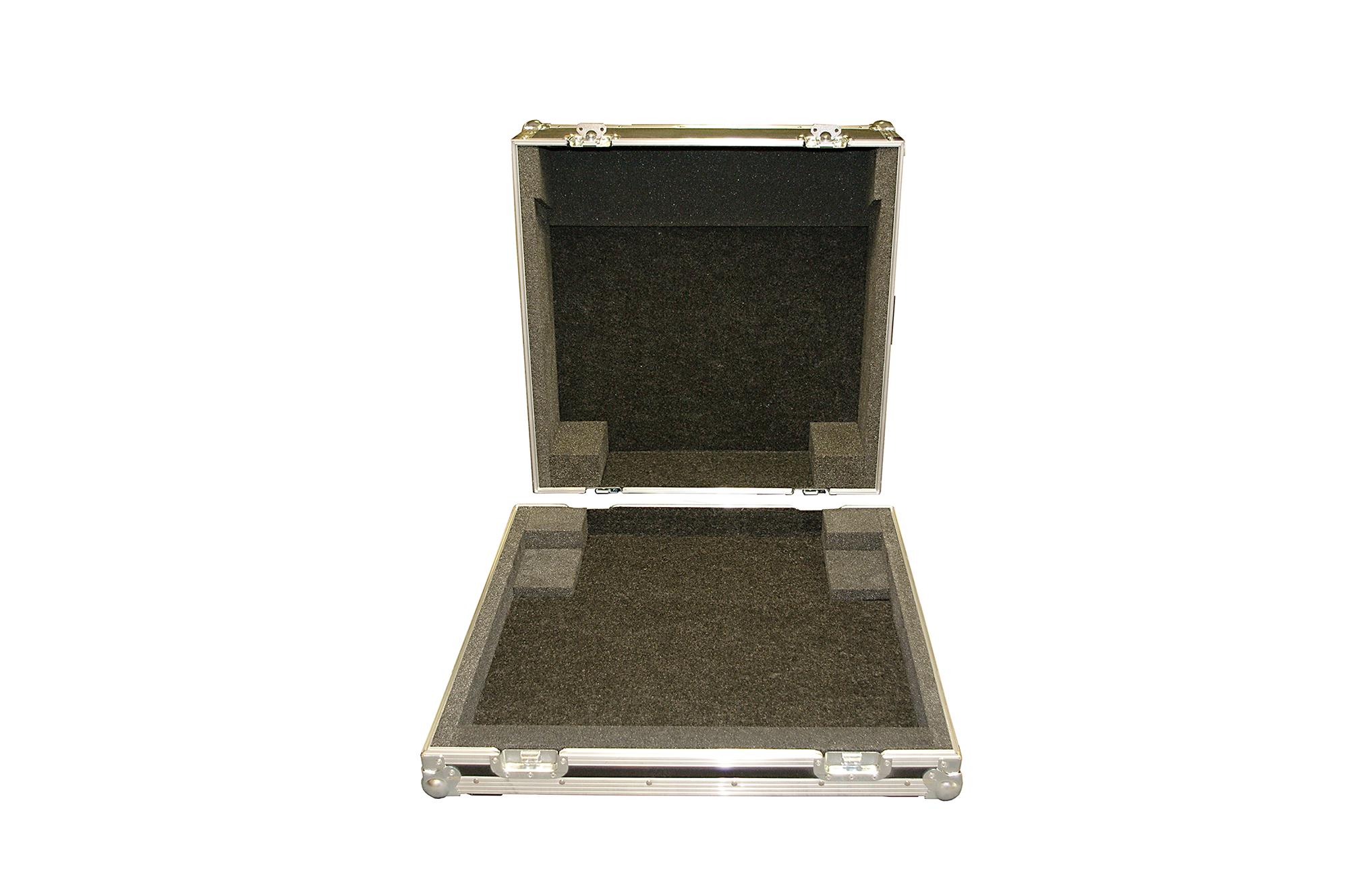 QU 24 mixer desk_03
